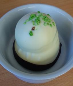 Irma/Sv. Michelsen hvid flødebolle med lime og granatæble